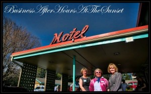 Deb-Hall-Pren-Libby-in-front-of-motel-sign
