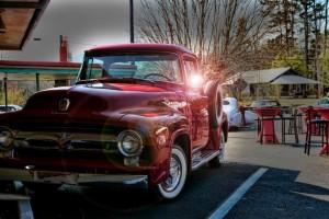 Red-vintage-truck